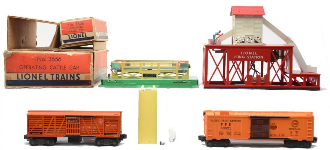 4: Lionel 352 Icing Station 3656 Cattle Car Boxed