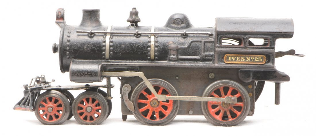 422: Ives no. 25 Black Cast Iron Clockwork Steam Loco - 2