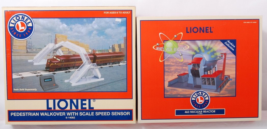 5: Lionel 14065 Nuclear reactor and 14082 pedestrian wa