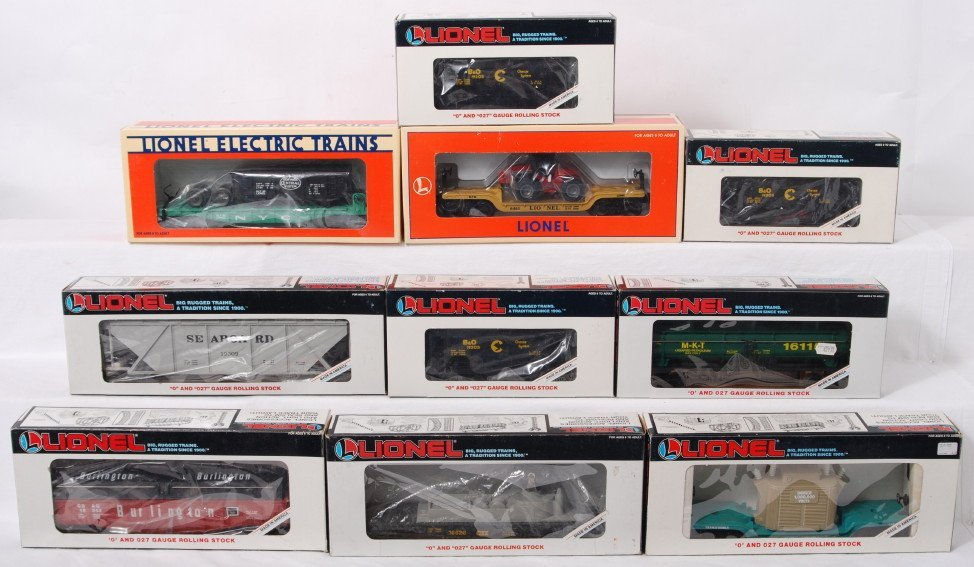 14: 10 Lionel freight cars 19305, 16115, 16927, etc.