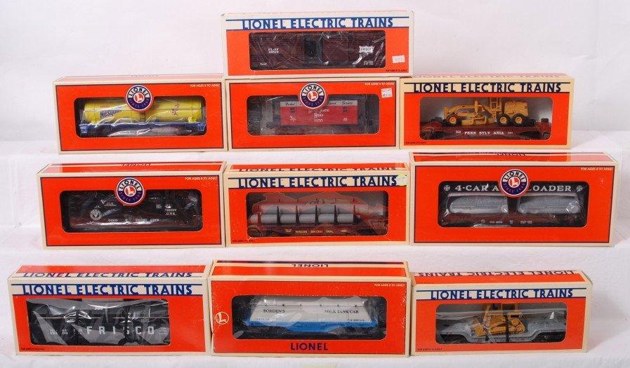 16: 10 Lionel freight cars 26568, 19445, 29414, etc