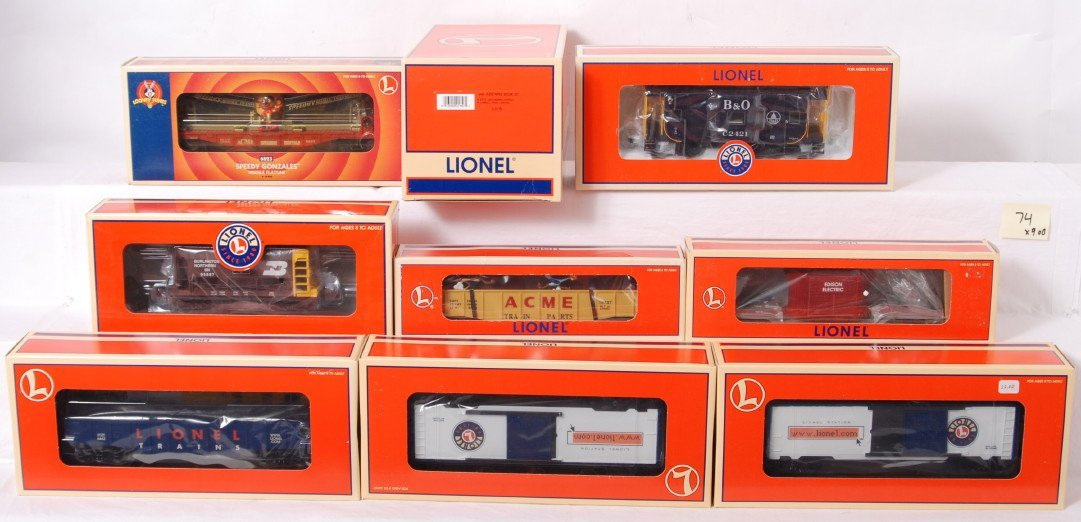 74: 10 Lionel freight cars 21756, 26264, 17807, etc.