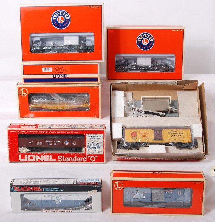 80: 10 Lionel freight cars 19496, 9220, 26883, etc