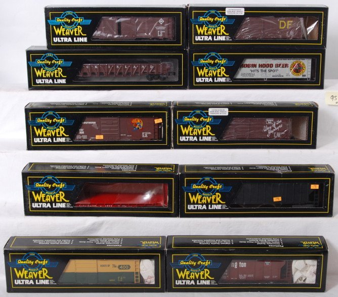 95: 10 Weaver freight cars CB&Q, Erie, C&NW