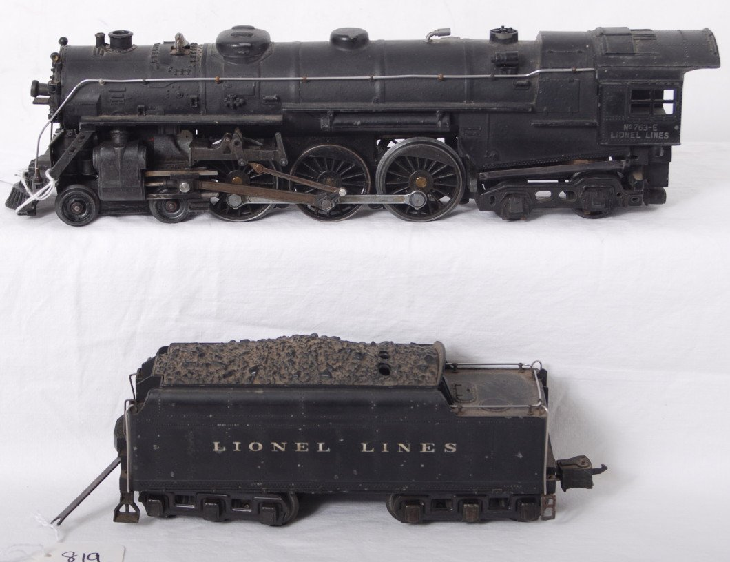819: Lionel 763-E and 2226W steam locomotive and tender
