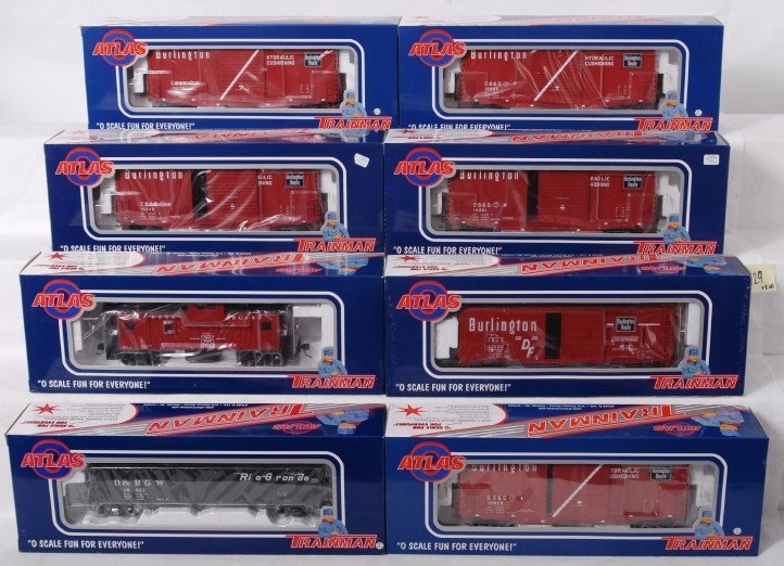 929: 8 Atlas Trainman two rail freight cars