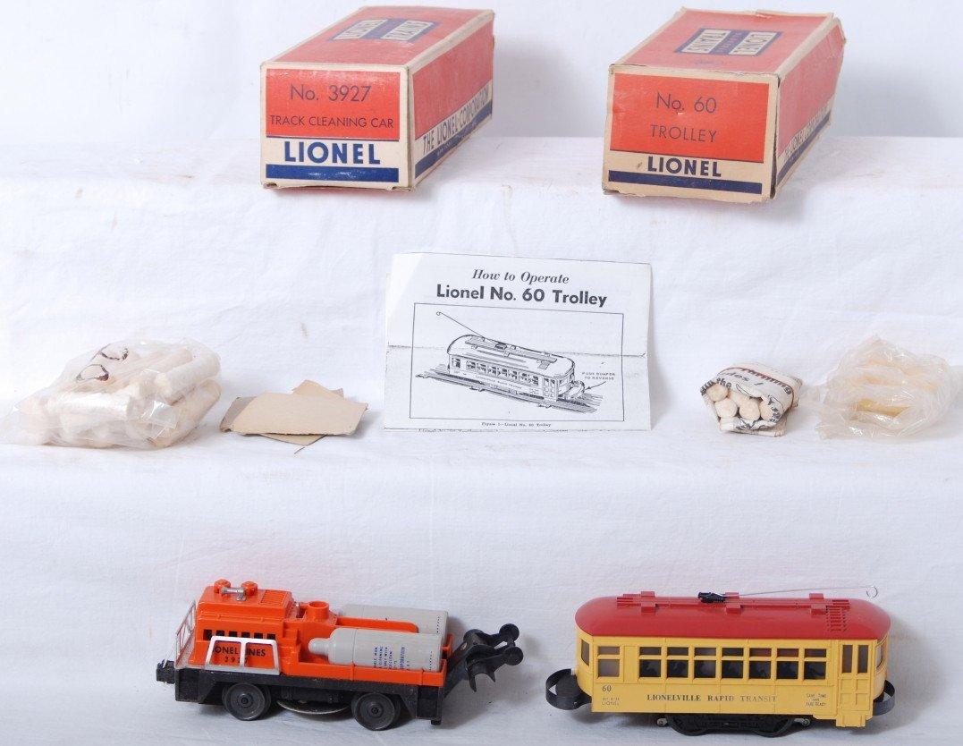 936: Lionel 60 trolley and 3927 track cleaner in OB
