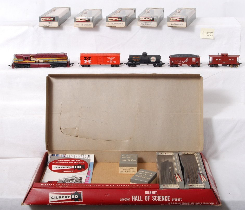 1150: American Flyer HO 325 Alco freight train set in O