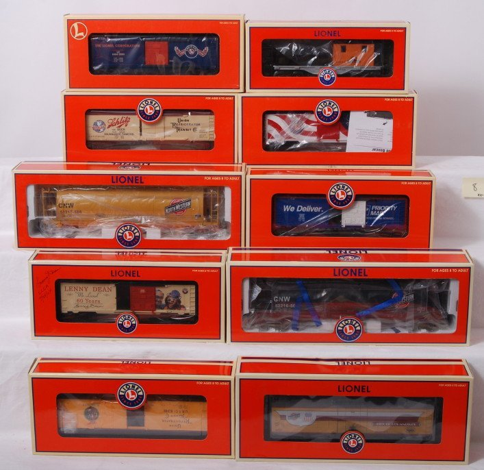 8: 10 Lionel freight cars 36758, 52216, 39252, 29298, e