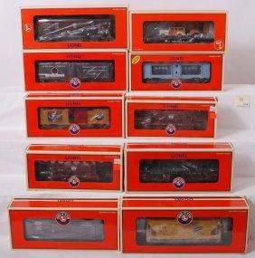 10: 10 Lionel freight cars 17398, 17549, 26089, etc