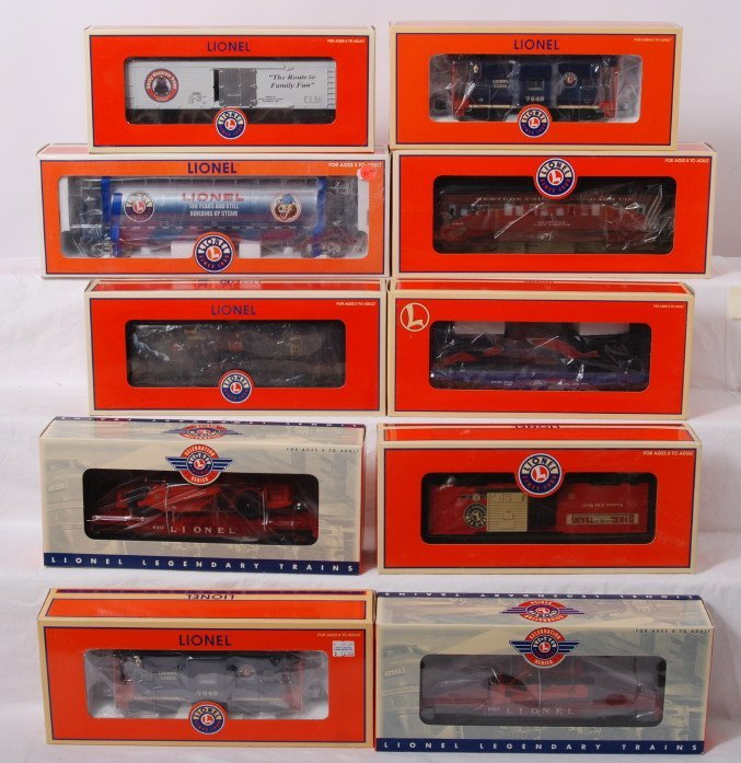 14: 10 Lionel freight cars 17171, 19994, 26023, 26024,