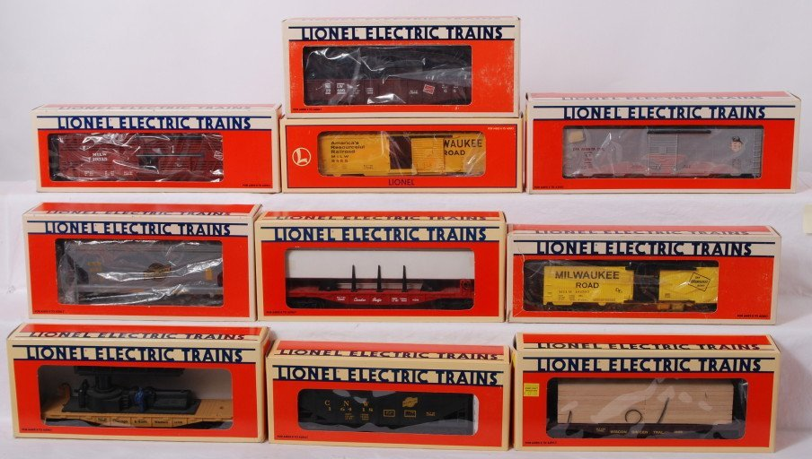 15: 10 Lionel freight cars 17226, 17200, 19400, 16393