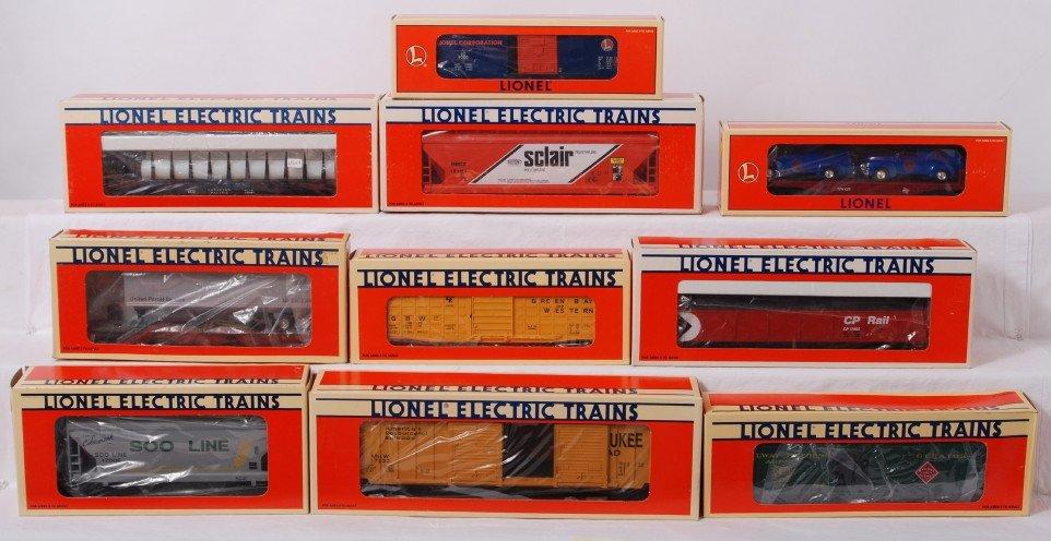 18: 10 Lionel freight cars 16985, 17107, 17400, etc