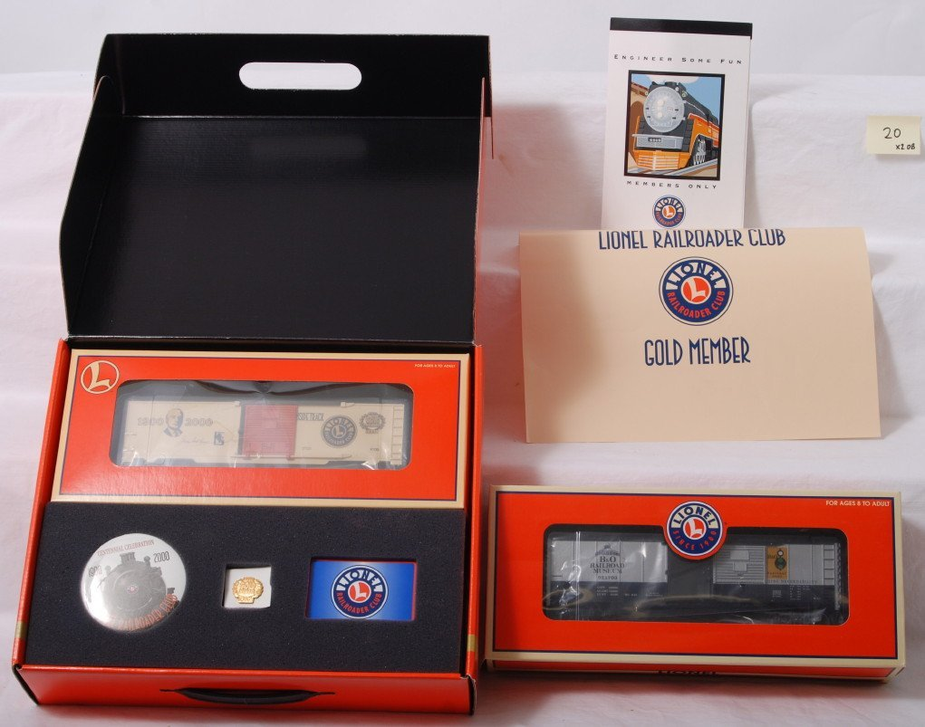 20: Lionel 52330 B&O museum and 19991 gold member boxca