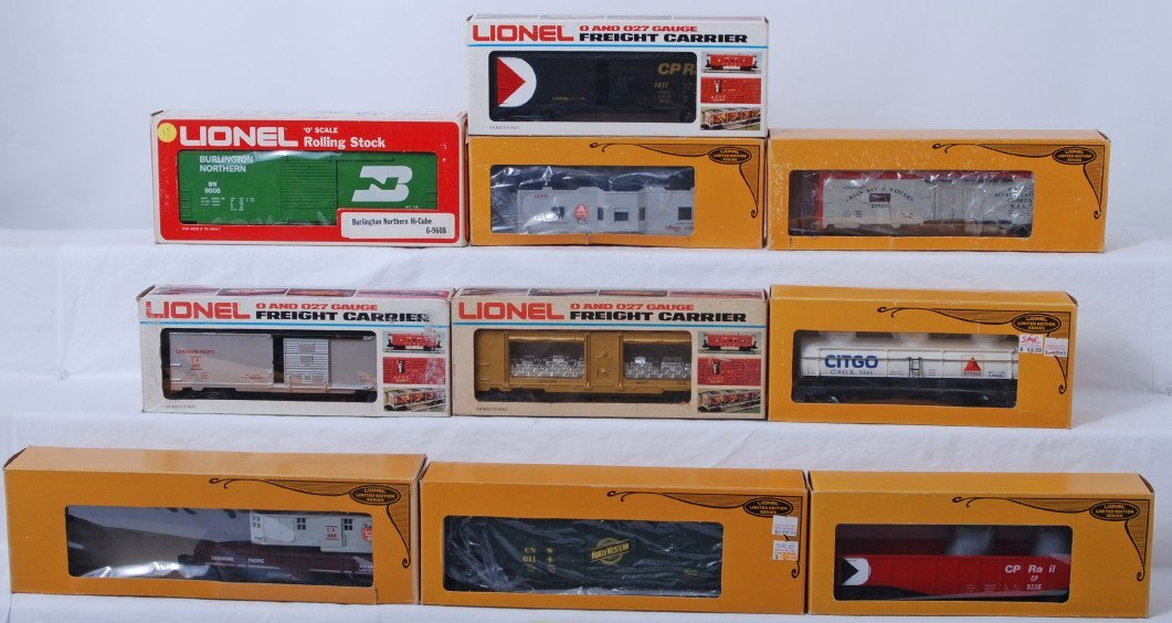 22: 10 Lionel freight cars 9608, 6433, 6508, etc