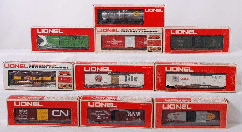 24: 10 Lionel freight cars 9713, 9874, 9757, etc