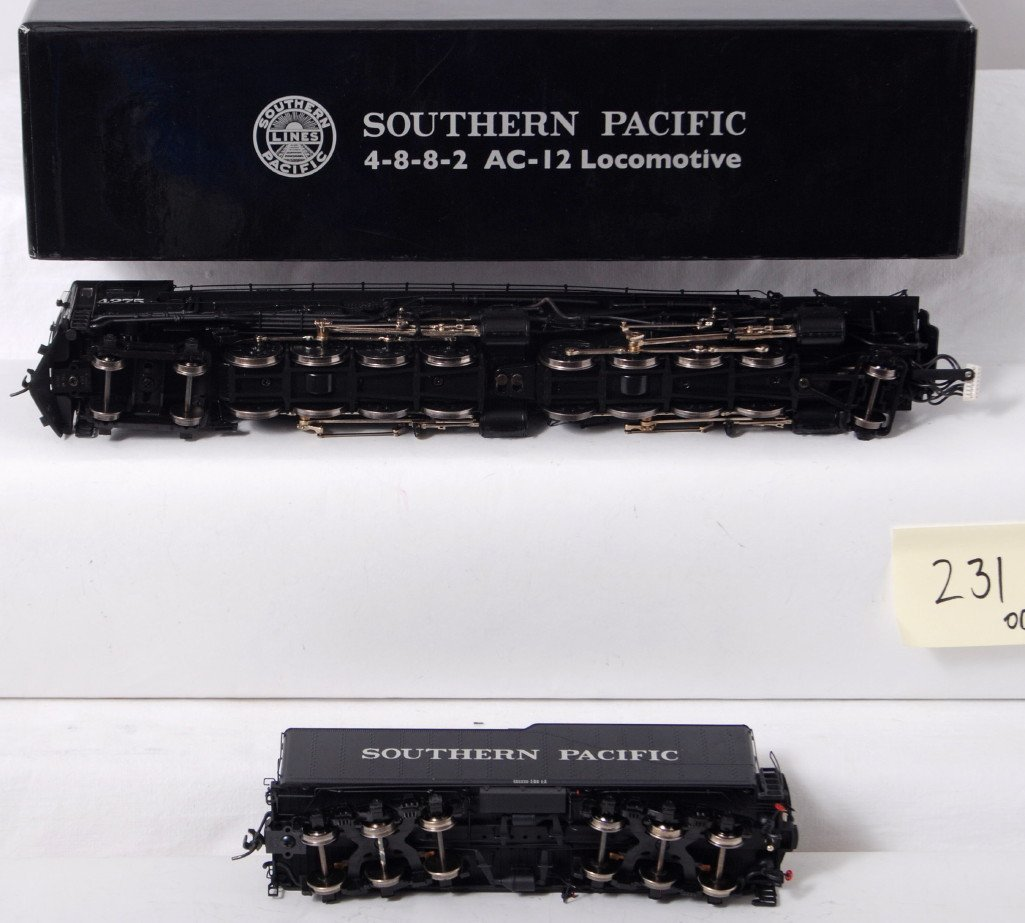 231: Intermountain HO Southern Pacific AC-12 cab forwar - 3