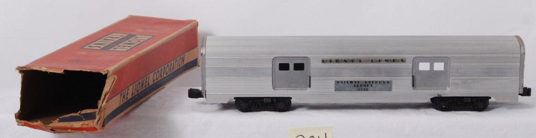 804: Lionel large door 2530 REA baggage car in OB