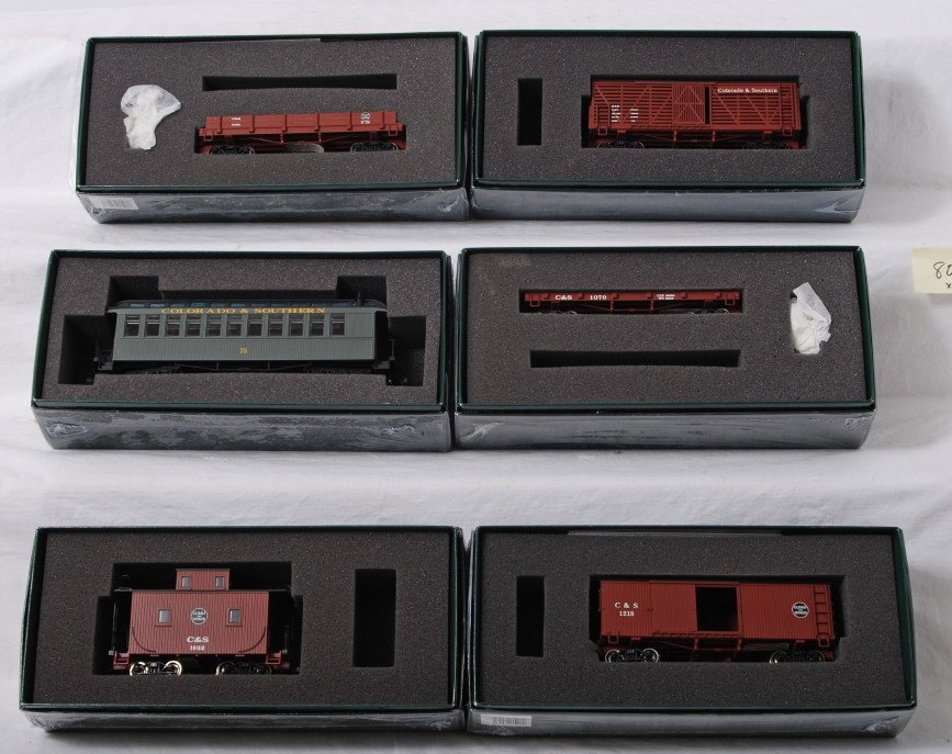 807: 6 Spectrum Colorado and Southern ON30 freight cars