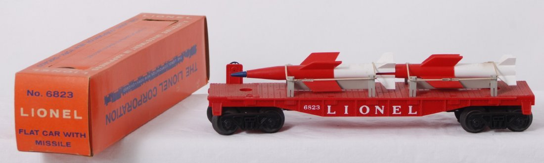 816: Lionel 6823 flatcar with missiles in OB