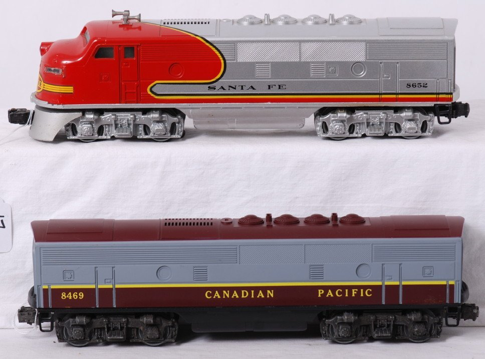 17: Lionel 8652 Santa Fe 3A and 8469 CP F3B unit