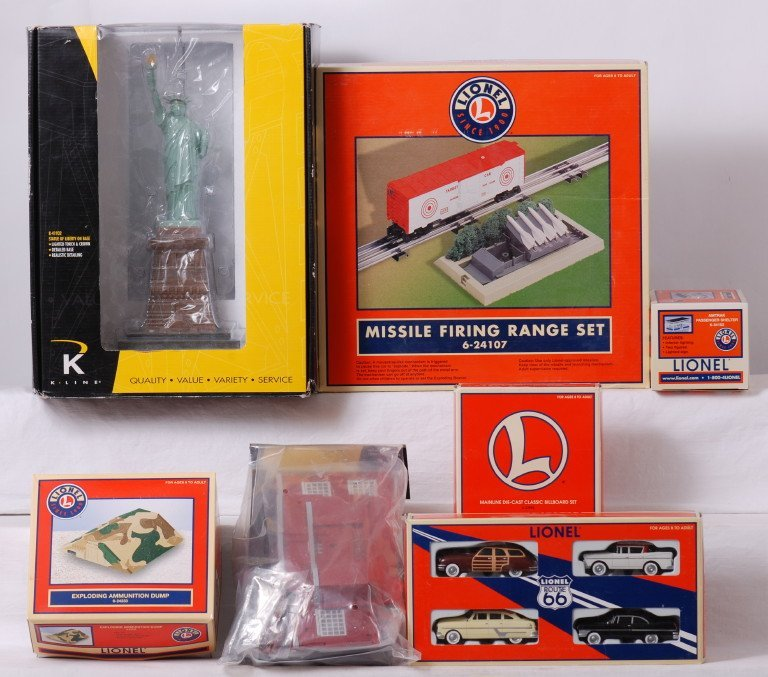 21: 7 Lionel and K line accessories 24107, 24233, 34102