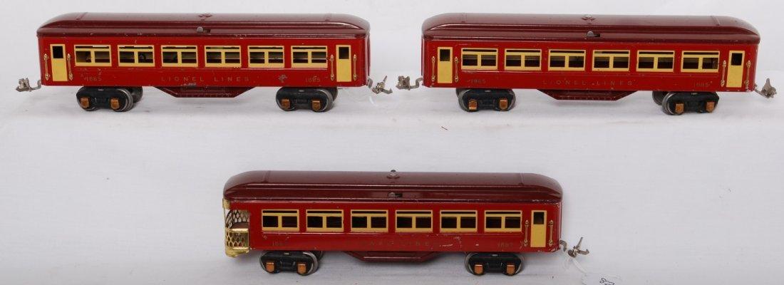 821: Lionel Lionel 1685, 1685, 1687 passenger cars w/go - 2