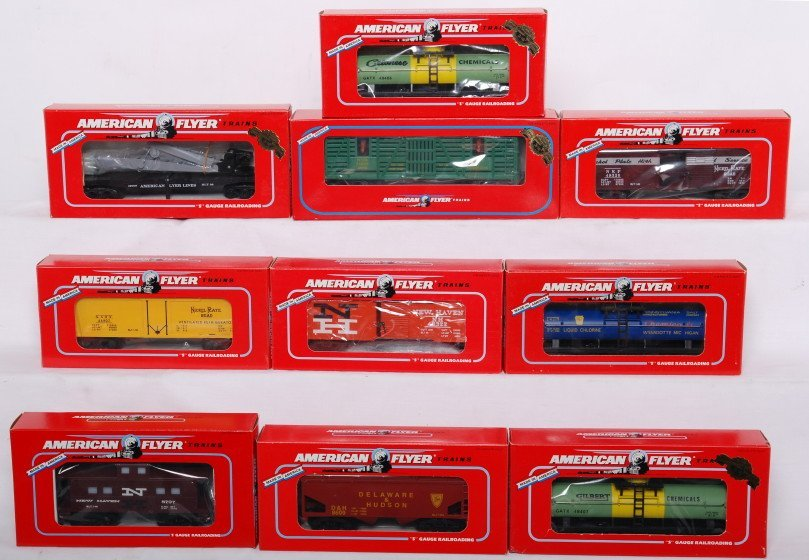1: 10 Flyer freight cars 49009, 48807, 48402, etc