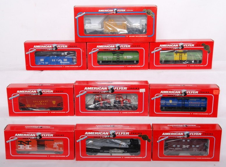 2: 10 Flyer freight cars 48407, 48609, 48710, etc
