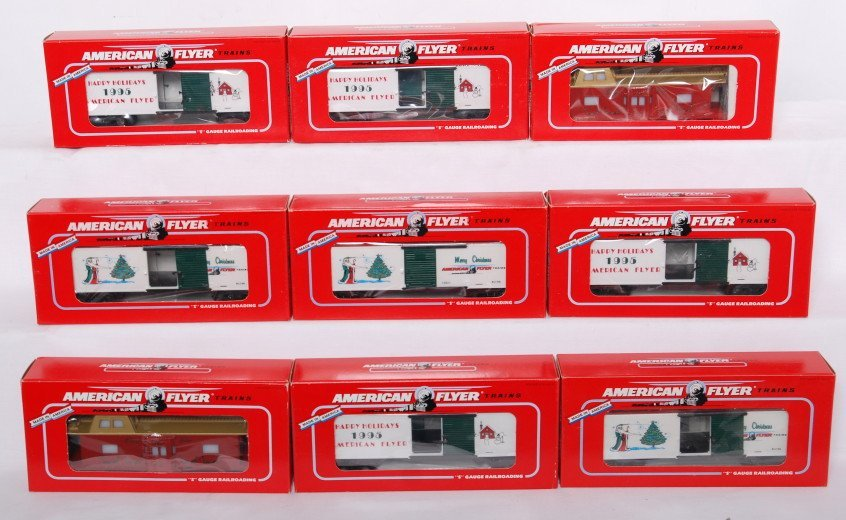 9: 9 American Flyer Christmas cars 48712, 48323, etc.