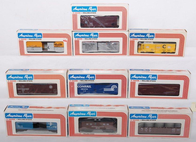 13: 10 American Flyer cars 48301, 9400, 48805, etc