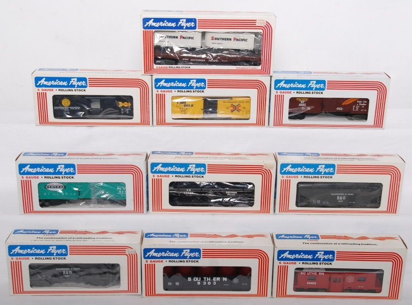 16: 10 American Flyer cars 9707, 9207. 9403, etc