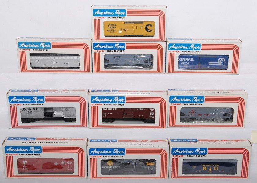 18: 10 American Flyer cars 9206, 48601, 48300, etc.