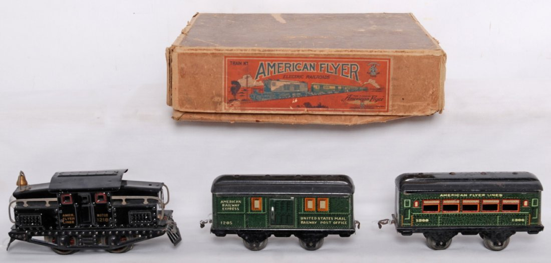 818: American Flyer narrow gauge train set in OB