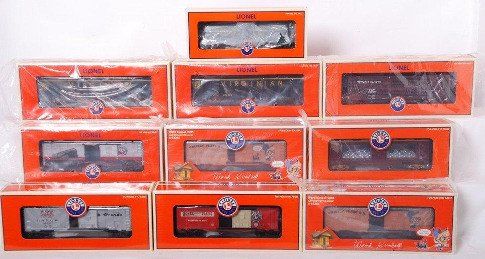 8: 10 Lionel freight cars 52385, 52380, 52403, etc