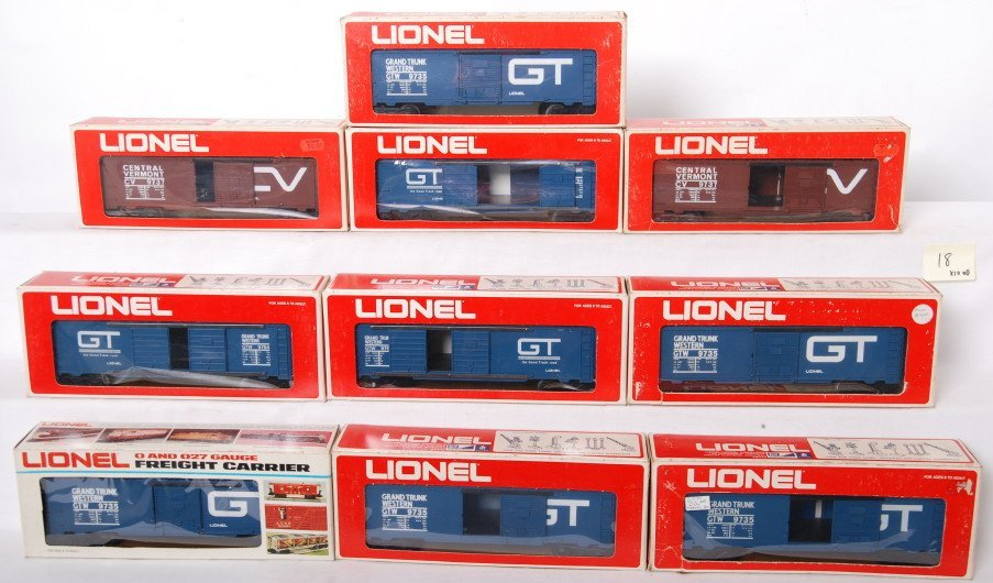 18: 10 Lionel freight cars 9737, 9764, 9735