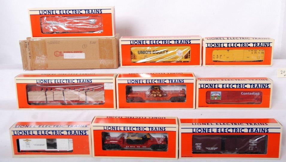 20: 10 Lionel freight cars 19960, 19963, 9483, etc.
