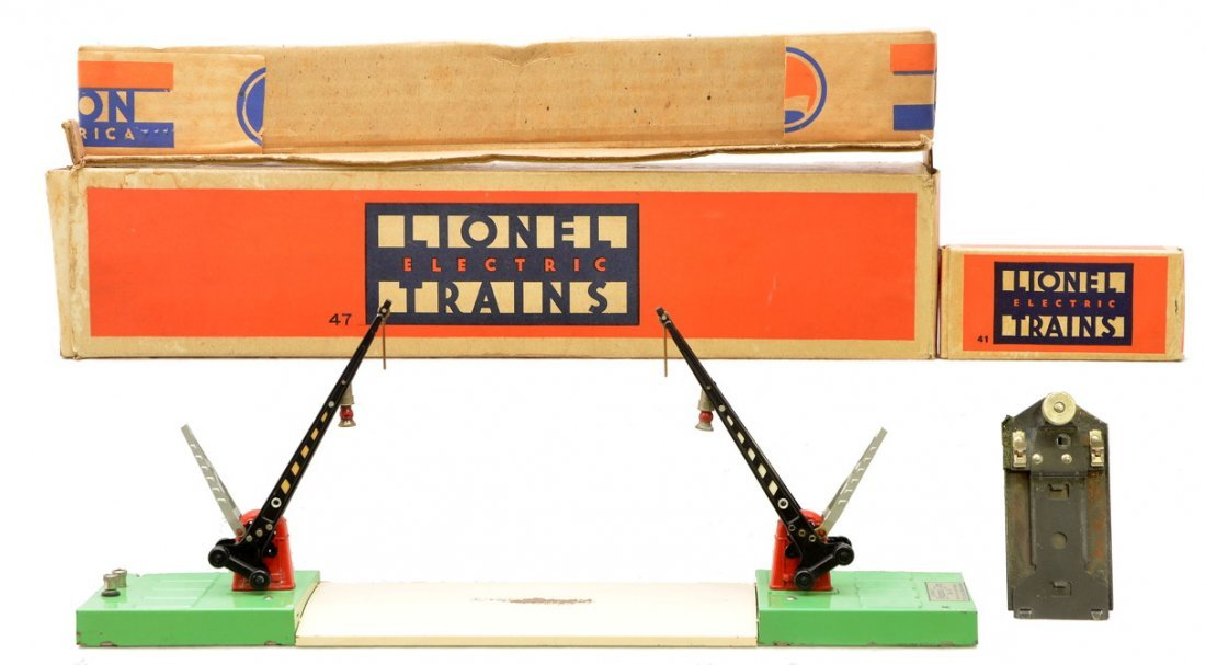 7: Lionel 47 Automatic Double Crossing Gate OB