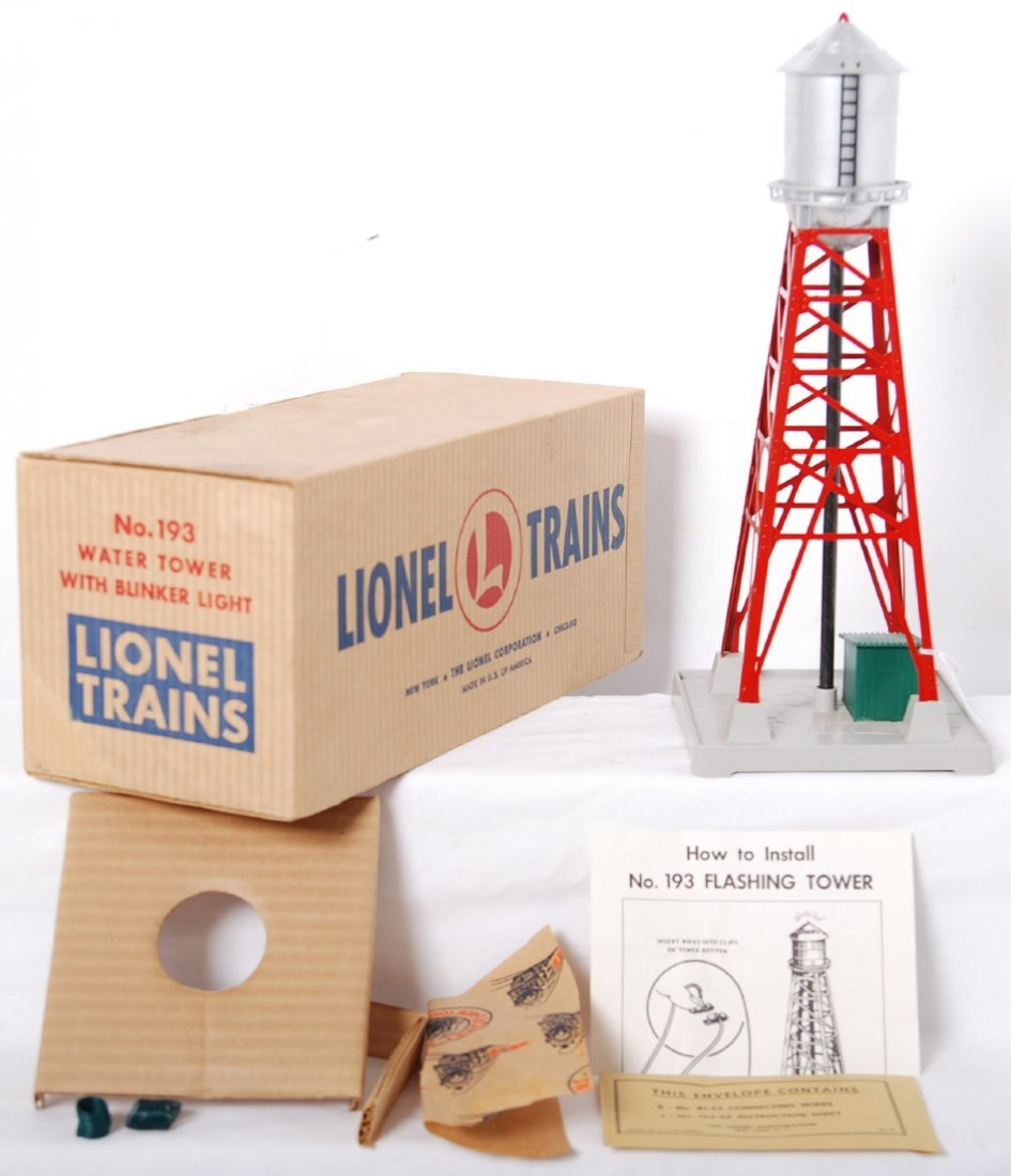 814: Lionel 193 blinking water tower in OB, Mint