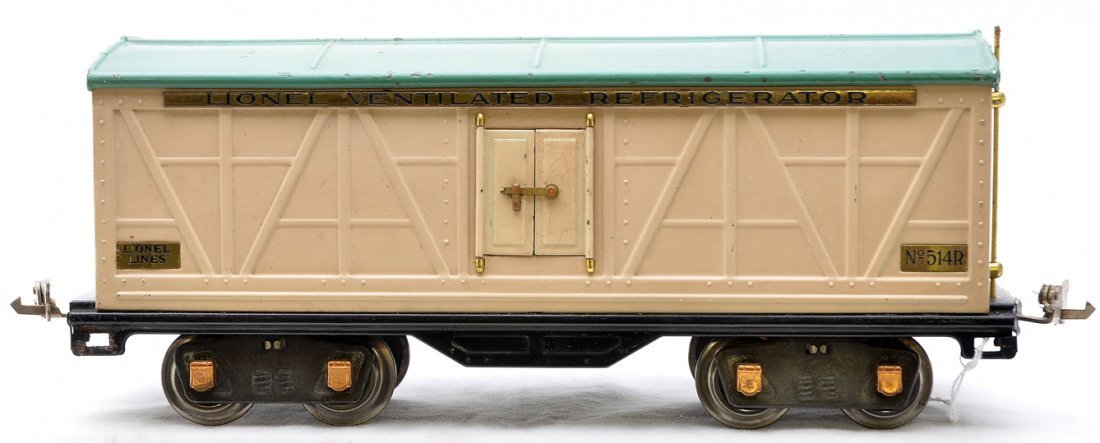 6: Lionel 514R Ivory Refrigerator w/Peacock Roof