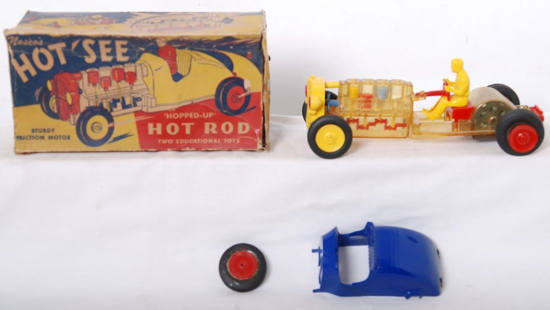 20011: NoscoÍs HotÍSee ïhopped-upÍ hot rod 2 toys in 1,