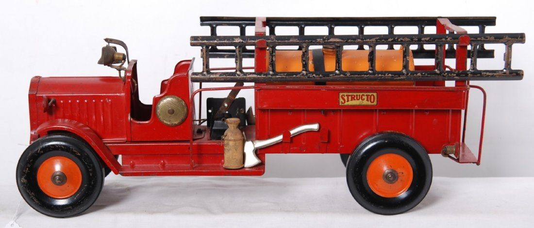 20014: Structo pumper and ladder fire truck w/ladders
