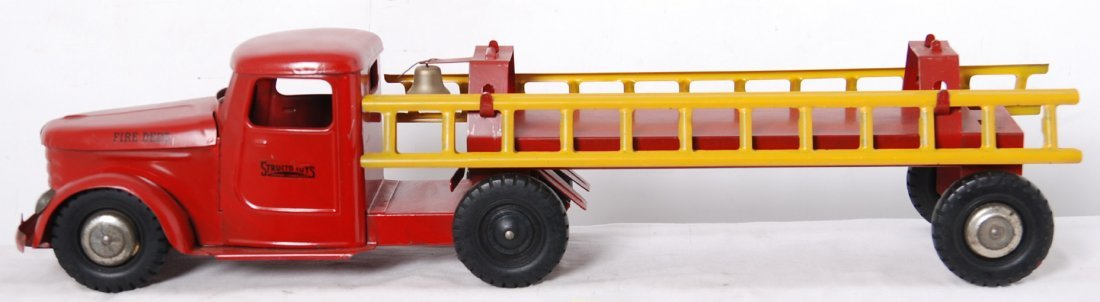 20016: Structo Toys ladder fire truck w/ladders