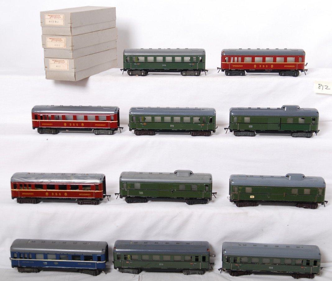 812: Eleven Fleischmann passenger cars, three in OB