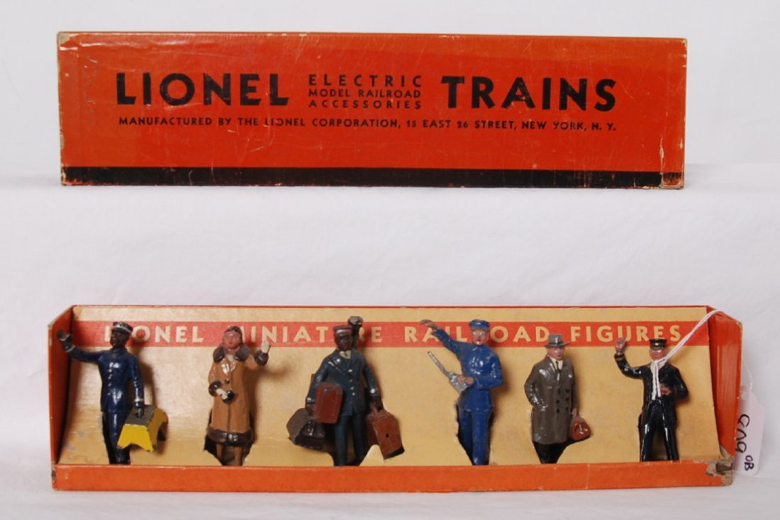 Lionel 550 miniature railroad figures in OB not repro