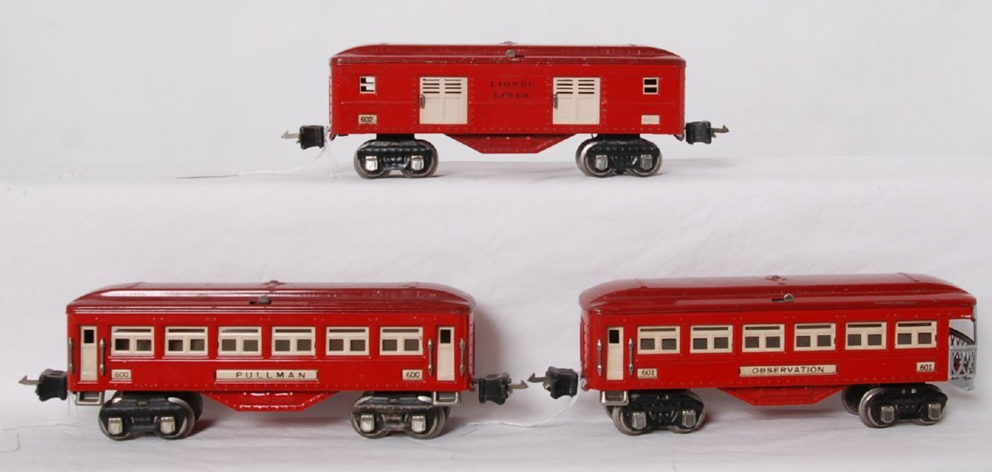 Lionel 600, 601, 602 two tone red O gauge passenger car