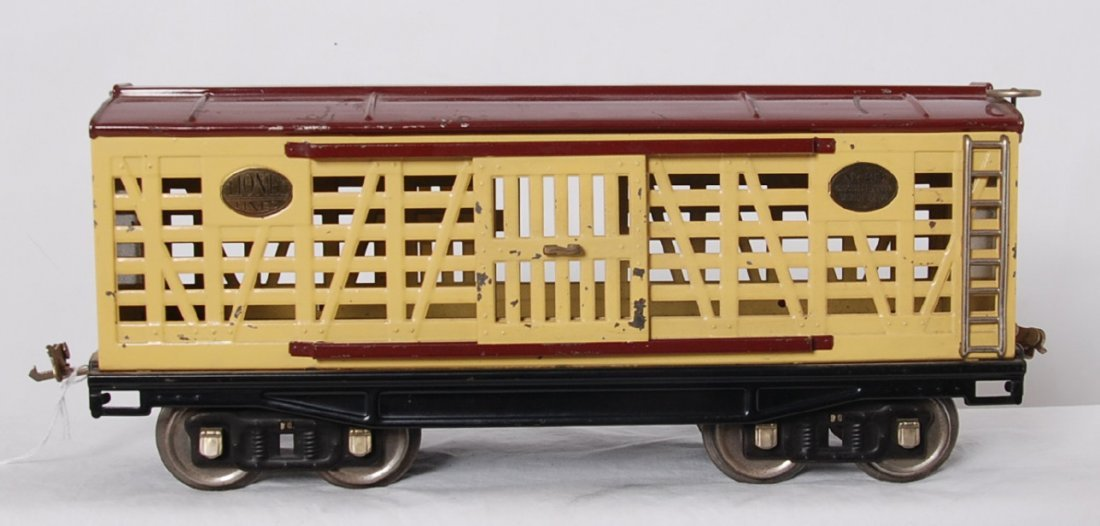 Lionel 213 cattle car maroon, cream, brass, nickel