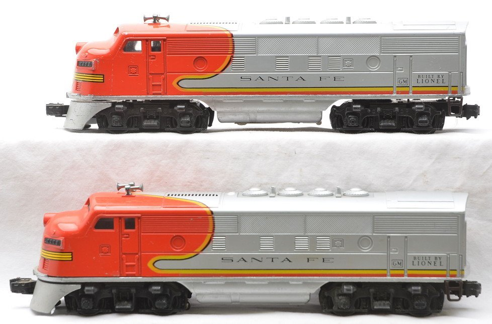 Lionel 2383 Santa Fe F2 AA Diesel Units