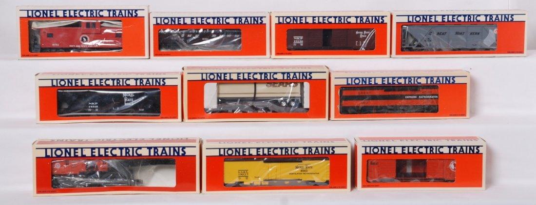 10 Lionel freight cars 19527, 19304, 19402, etc.
