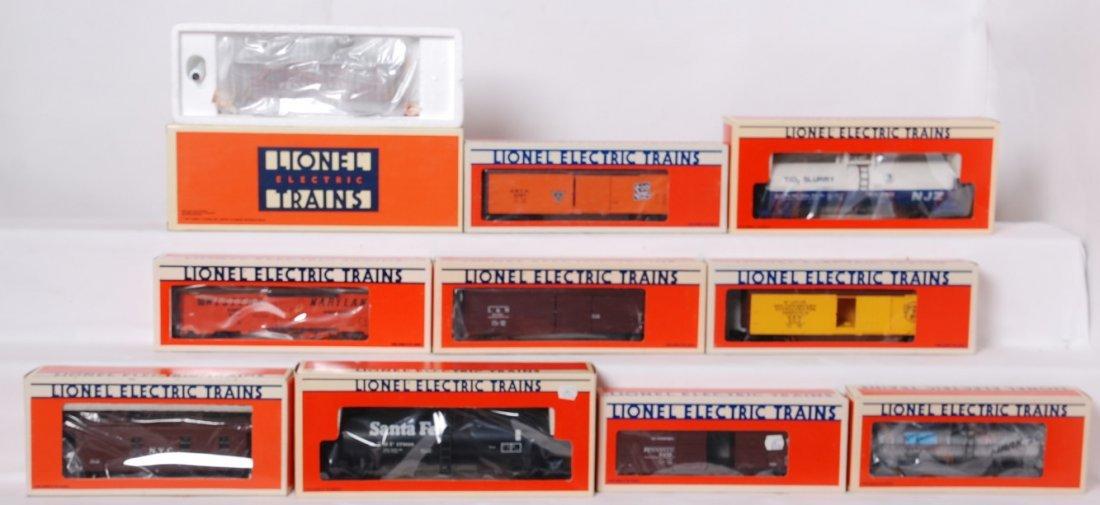 10 Lionel freight cars 51702, 17600, 5713, 19601, etc